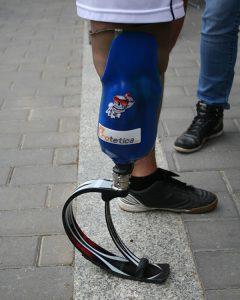 proteza sportowa, proteza nogi, noga po amputacji, Proteza kosmetyczna palców, Protetica, Łódź, Zagajnikowa 35, poradnia protetyczna
